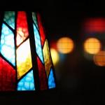 ステンドグラスのような光のライト